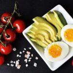 Dieta ketogeniczna – czy warto ją stosować?